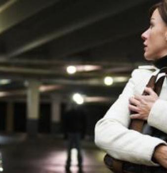 """Stalking: il reato di """"atti persecutori"""""""